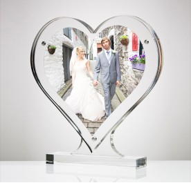 HEART SHAPE CLEAR ACRYLIC MAGNETIC WITH STAND PICTURE FRAME